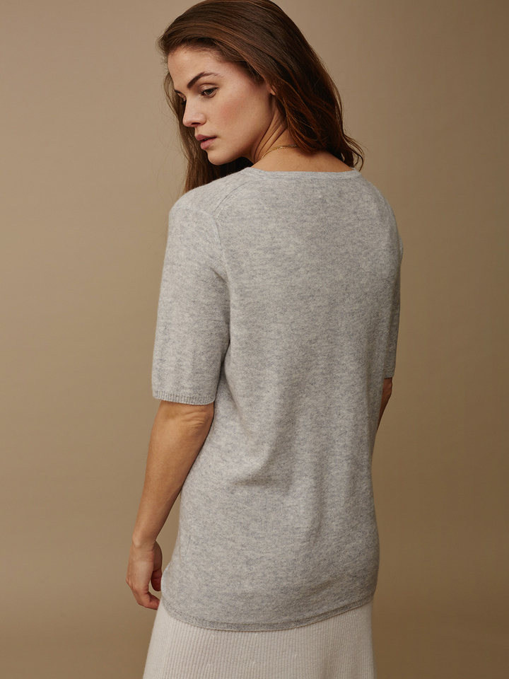 "<span class=""js-statics"" title=""Missing static search site_product_thumbnail"">site_product_thumbnail</span> Women's Fine Knit T-shirt"