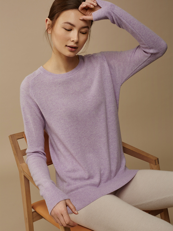 Soft Goat Women's Fitted O-Neck Light Lavender