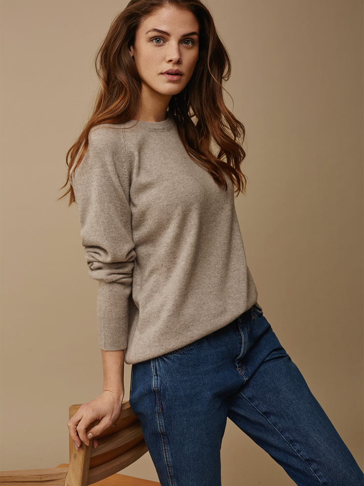 272a2cc39517 Women s Loose Fit Sweater - Soft Goat Online Cashmere
