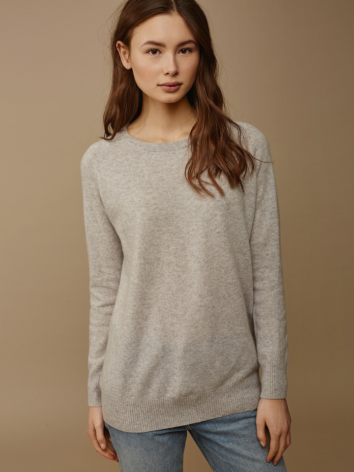Soft Goat Women's O-Neck Oversize Light Grey