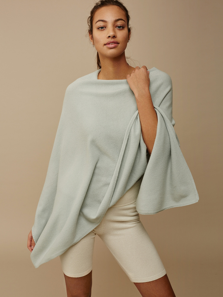 Soft Goat Women's Plain Poncho Seasalt