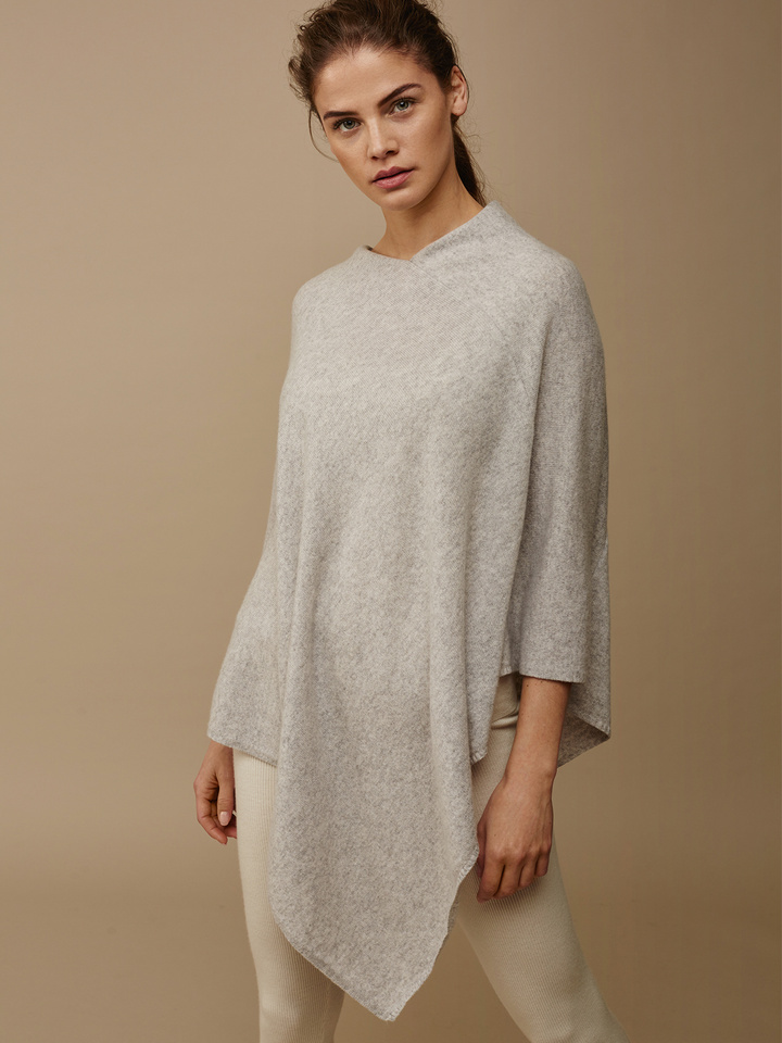 Soft Goat Women's Plain Poncho Light Grey