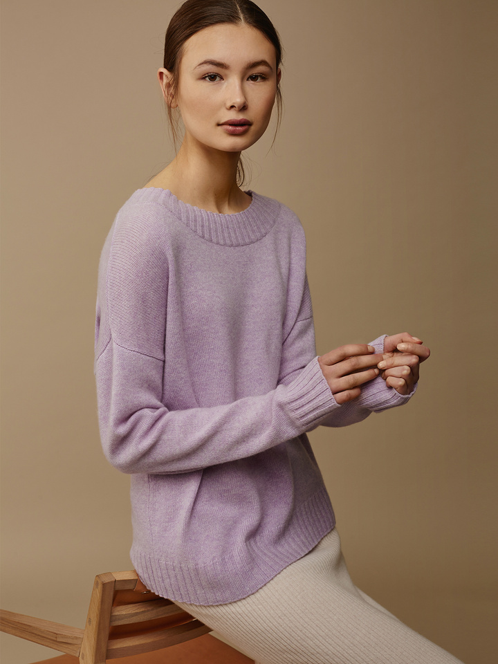 "<span class=""js-statics"" title=""Missing static search site_product_thumbnail"">site_product_thumbnail</span> Women's Relaxed Sweater"