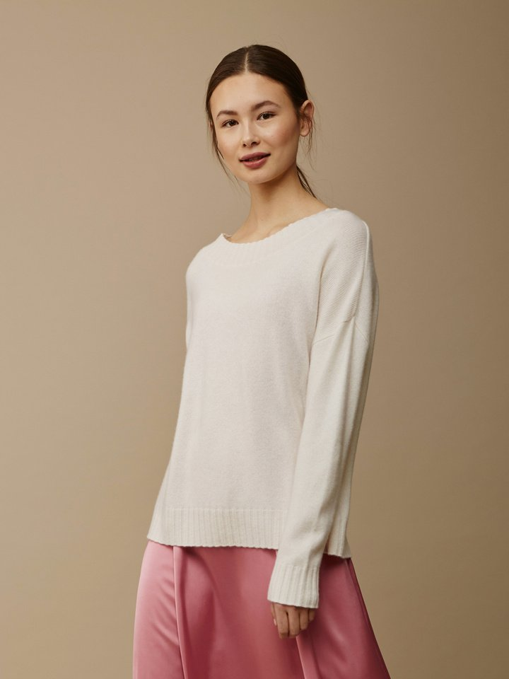 Soft Goat Women's Relaxed Sweater Off White