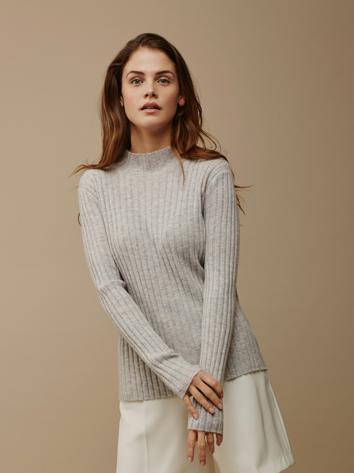 Soft Goat Women's Ribbed Half Turtle Neck Light Grey