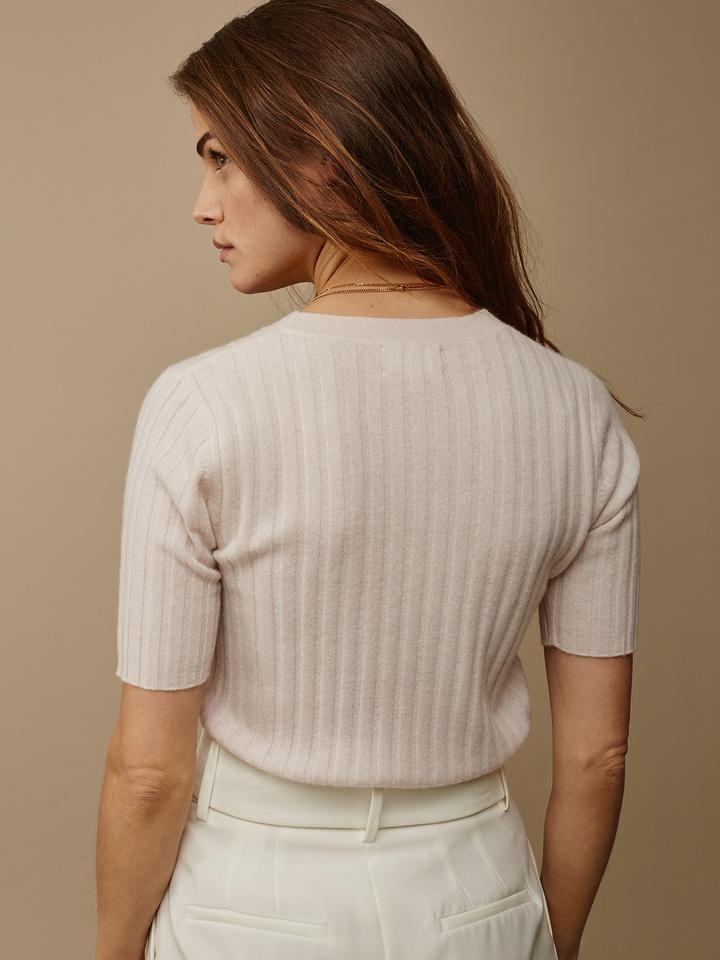 "<span class=""js-statics"" title=""Missing static search site_product_thumbnail"">site_product_thumbnail</span> Women's Ribbed T-Shirt"