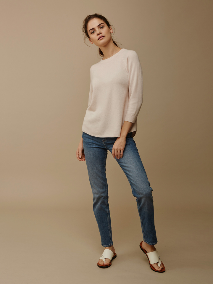 Soft Goat Women's Rounded Sweater Powder Pink
