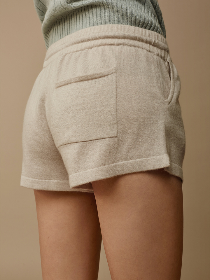 "<span class=""js-statics"" title=""Missing static search site_product_thumbnail"">site_product_thumbnail</span> Women's Shorts"