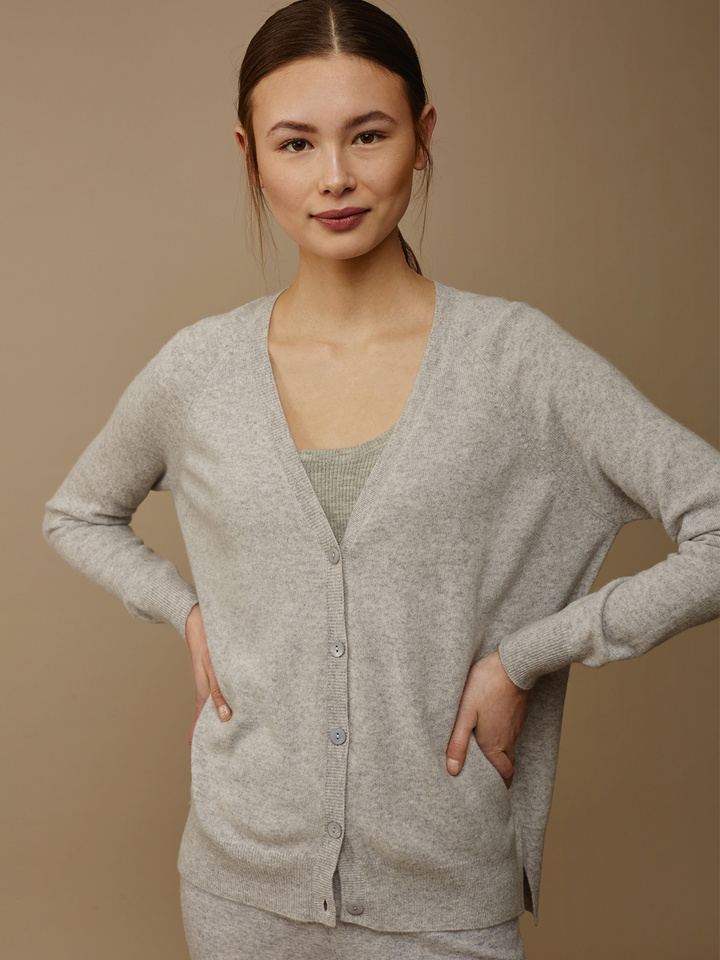 Soft Goat Women's V-Neck Cardigan Light Grey