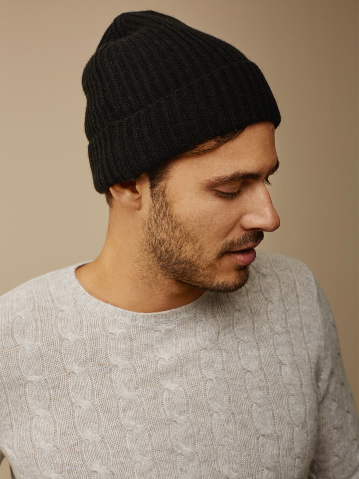 Soft Goat Ribbed Beanie Black