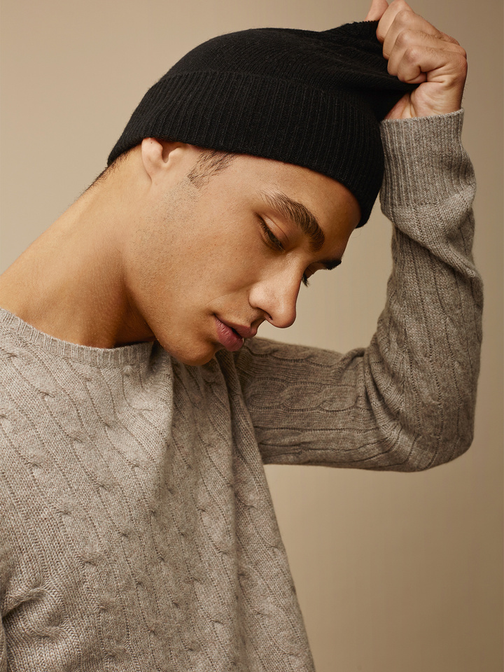 "<span class=""js-statics"" title=""Missing static search site_product_thumbnail"">site_product_thumbnail</span> Cashmere Beanie"