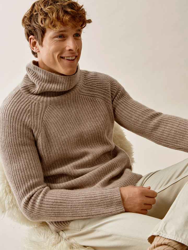 Thumbnail Men's Ribbed Turtle Neck