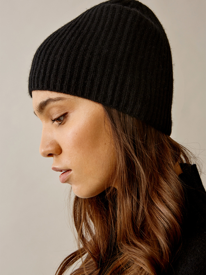 Thumbnail Women's Ribbed Beanie