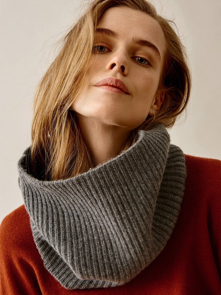 Thumbnail Ribbed Snood