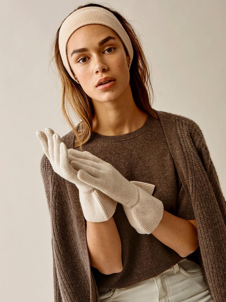 Thumbnail Ruffle Gloves