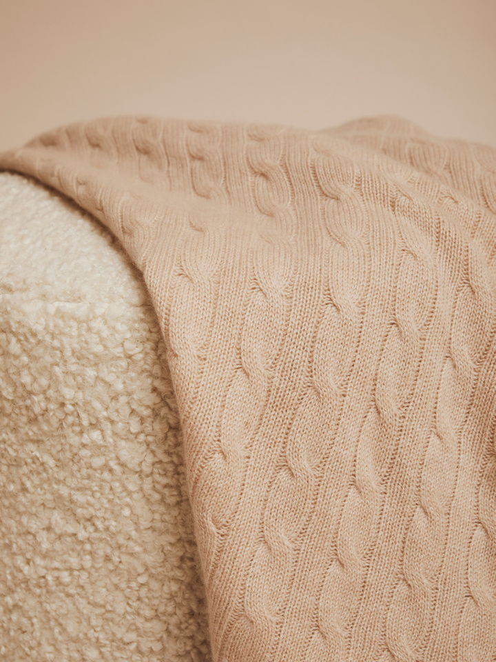 Thumbnail Cable Knit Baby Blanket
