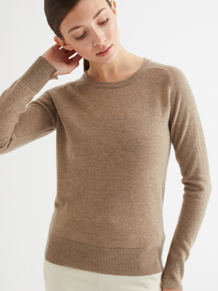 Thumbnail Fitted O-neck