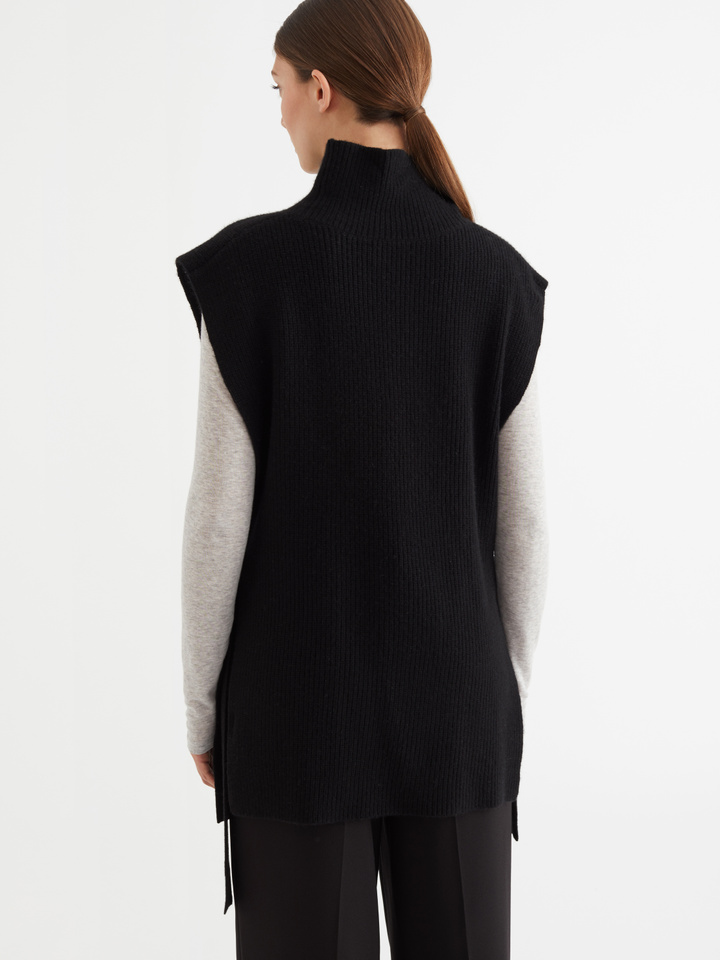 Thumbnail Side Tie High Neck