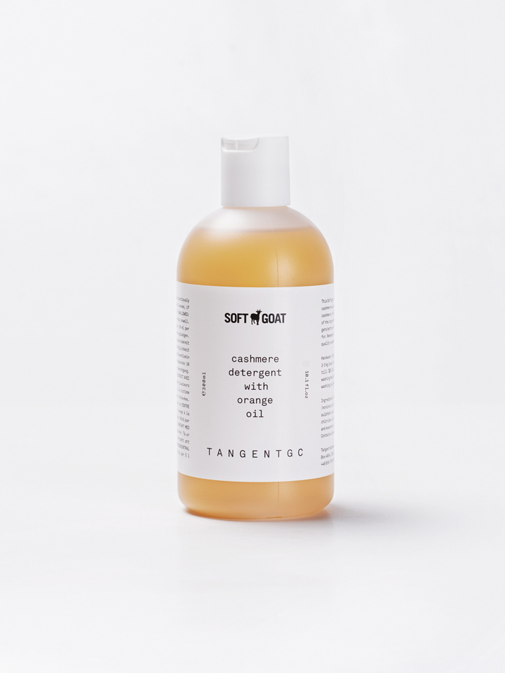 Soft Goat Cashmere And Woolwash 330 Ml