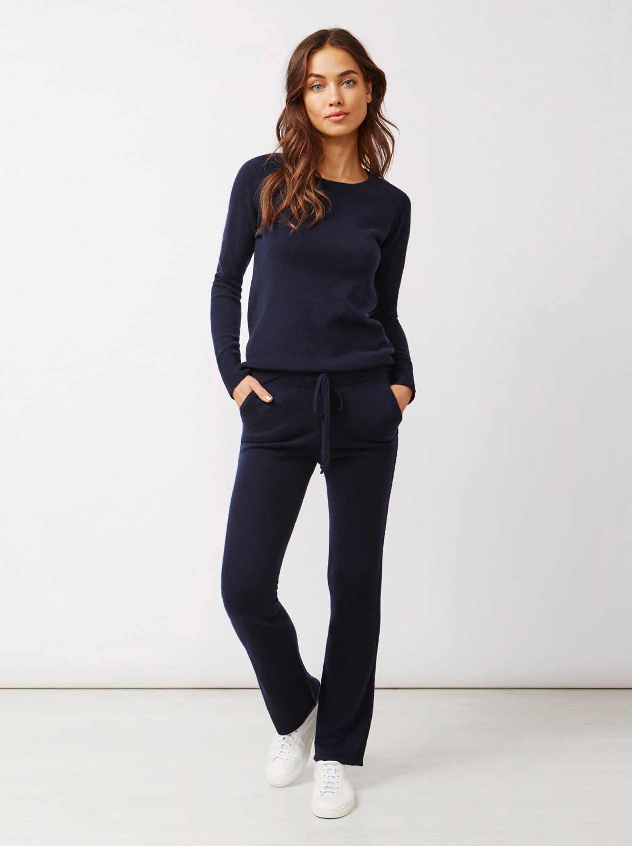 Soft Goat Women's Fitted O-Neck Navy