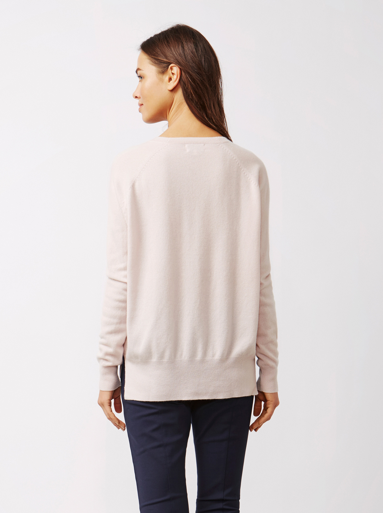 Soft Goat Women's V-Neck Cardigan Marshmallow