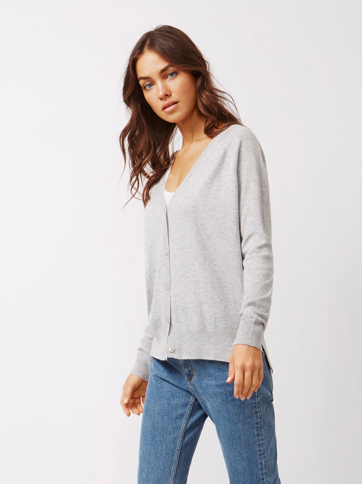 Soft Goat Women's V-Neck Cardigan Light Grey