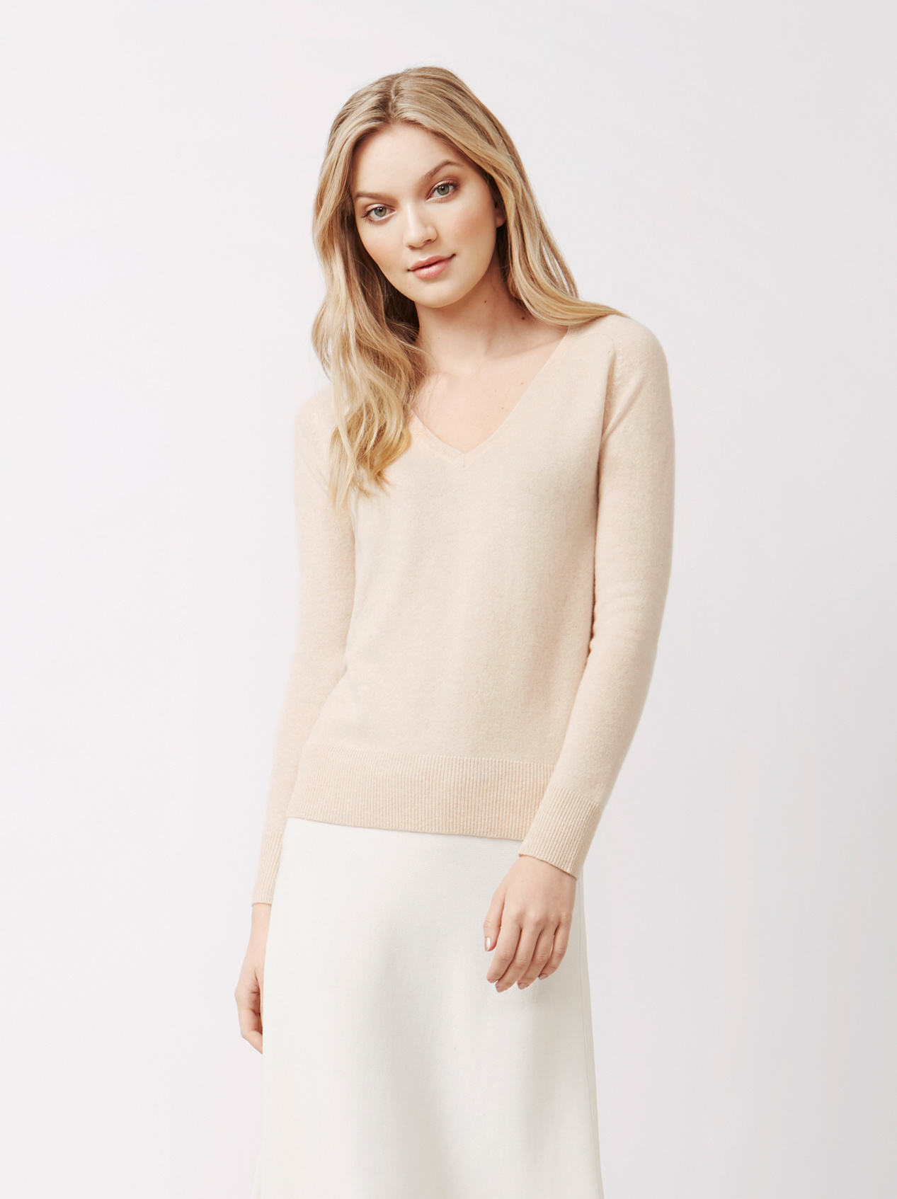 36323f2cc16 Women s Fitted V-neck - Soft Goat Online Cashmere