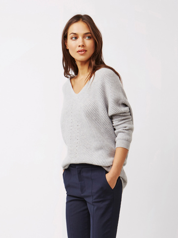 Product thumbnail of Women's Chunky V-neck Sweater