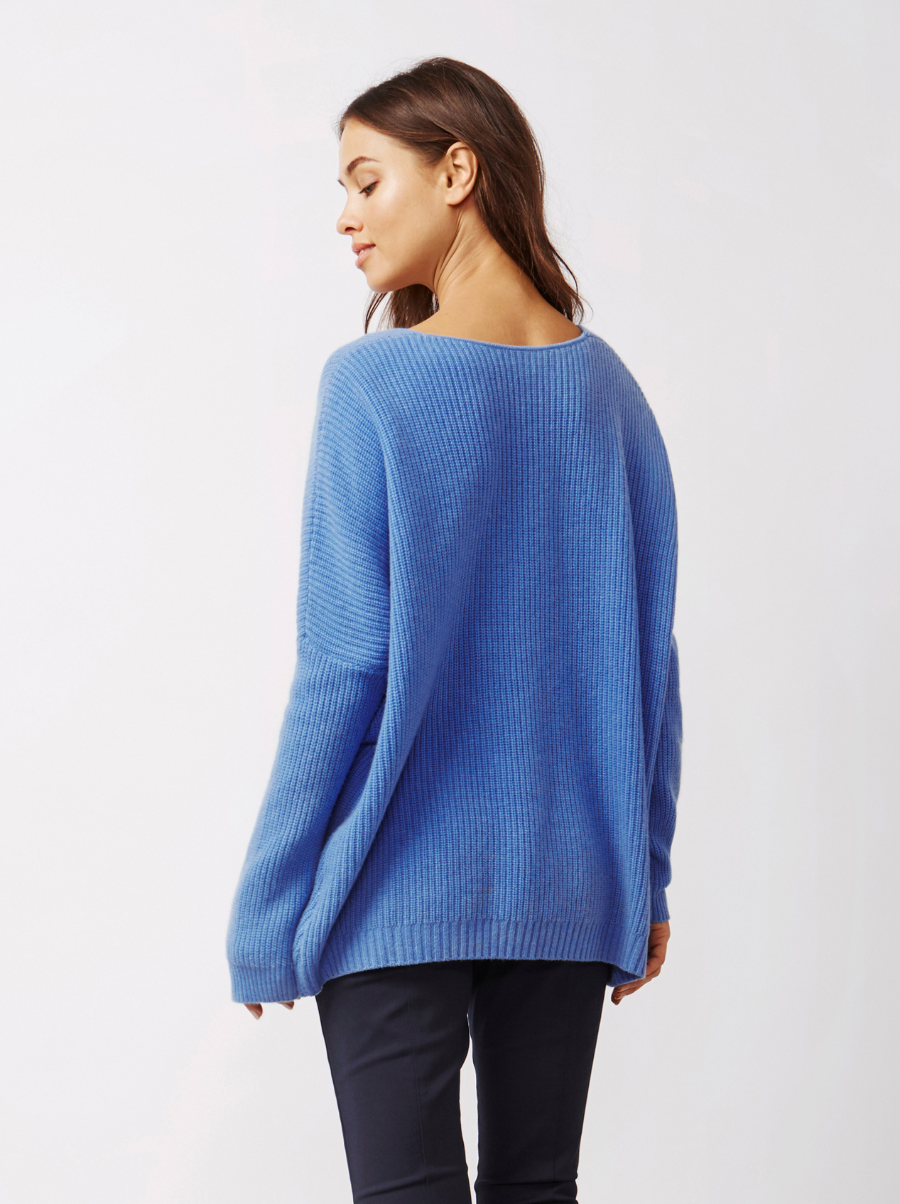 Soft Goat Women's Chunky V-Neck Sweater Sky Blue