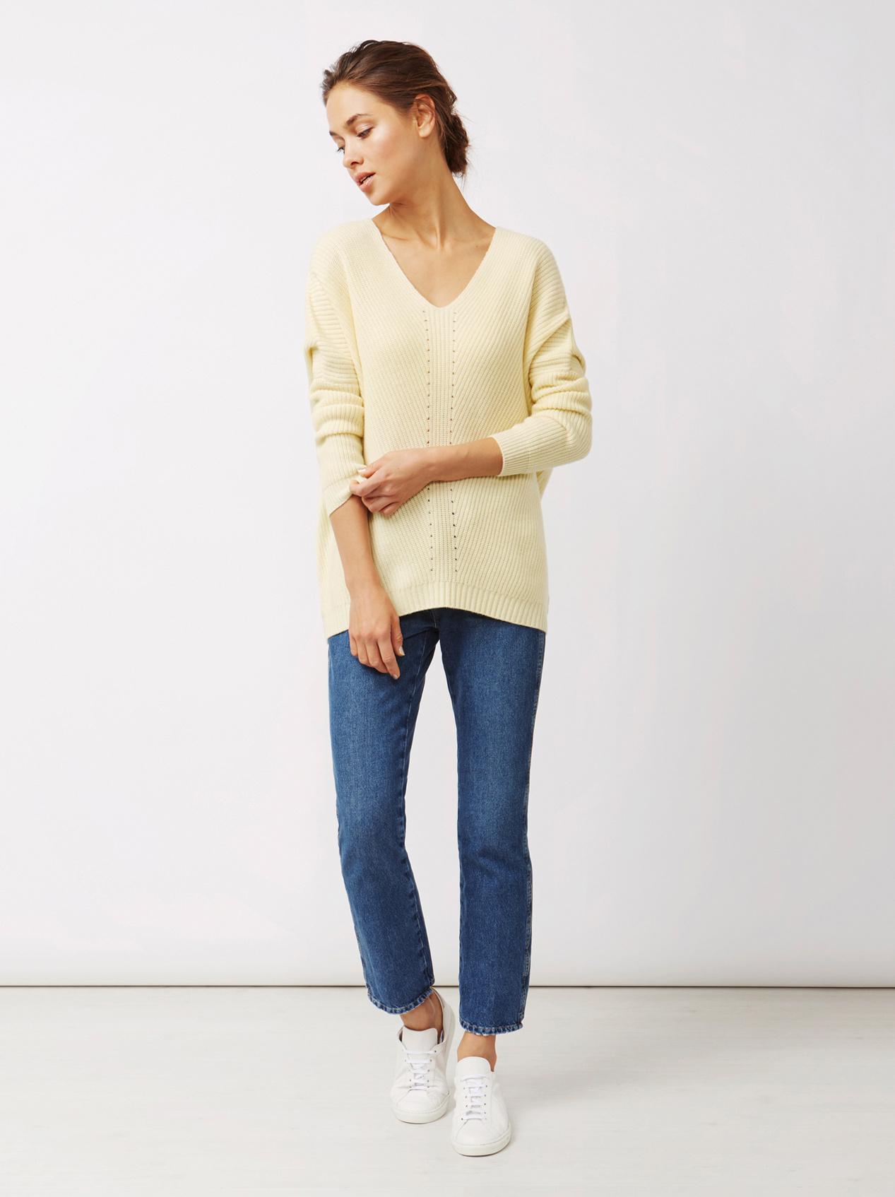 Soft Goat Women's Chunky V-Neck Sweater Limoncello