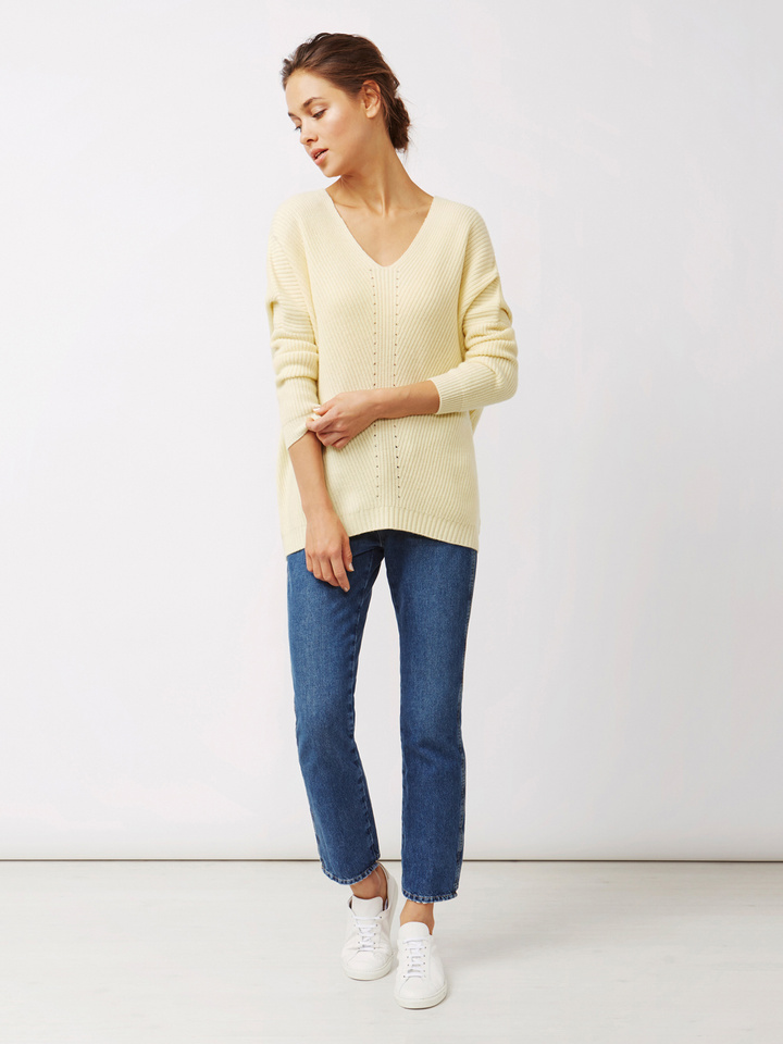 Thumbnail Women's Chunky V-neck Sweater