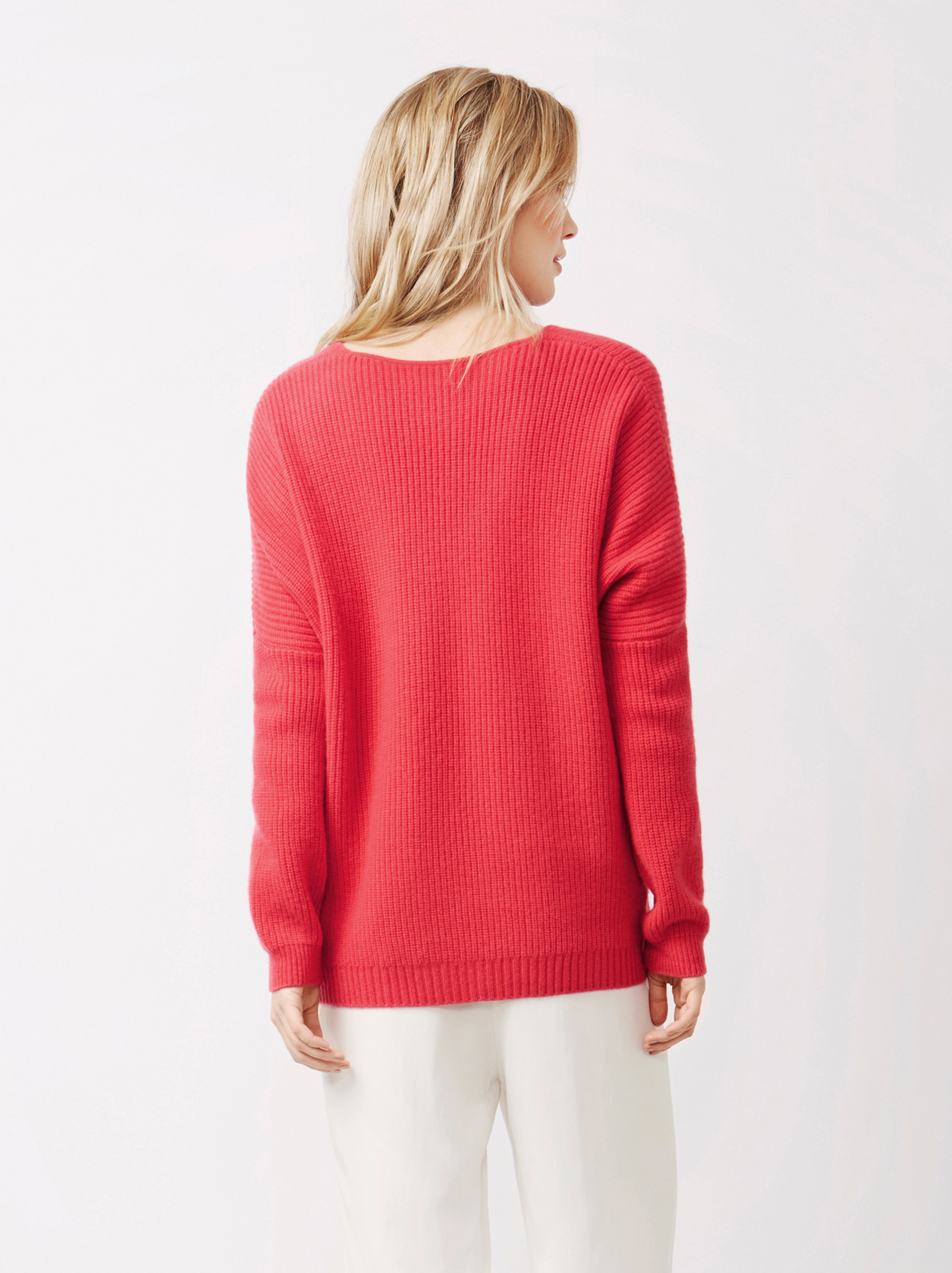 Soft Goat Women's Chunky V-Neck Sweater Very Berry