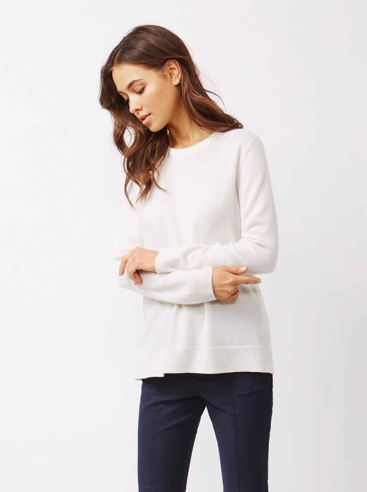 Soft Goat Women's Bow Sweater Off White
