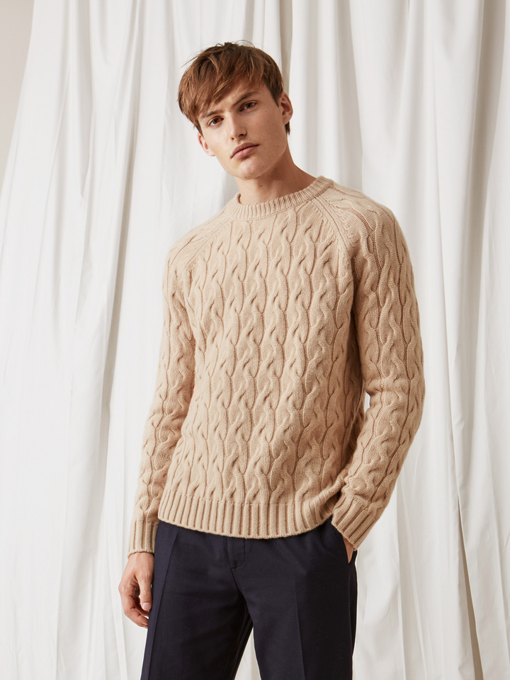 Soft Goat Men's Chunky Cable Knit Camel