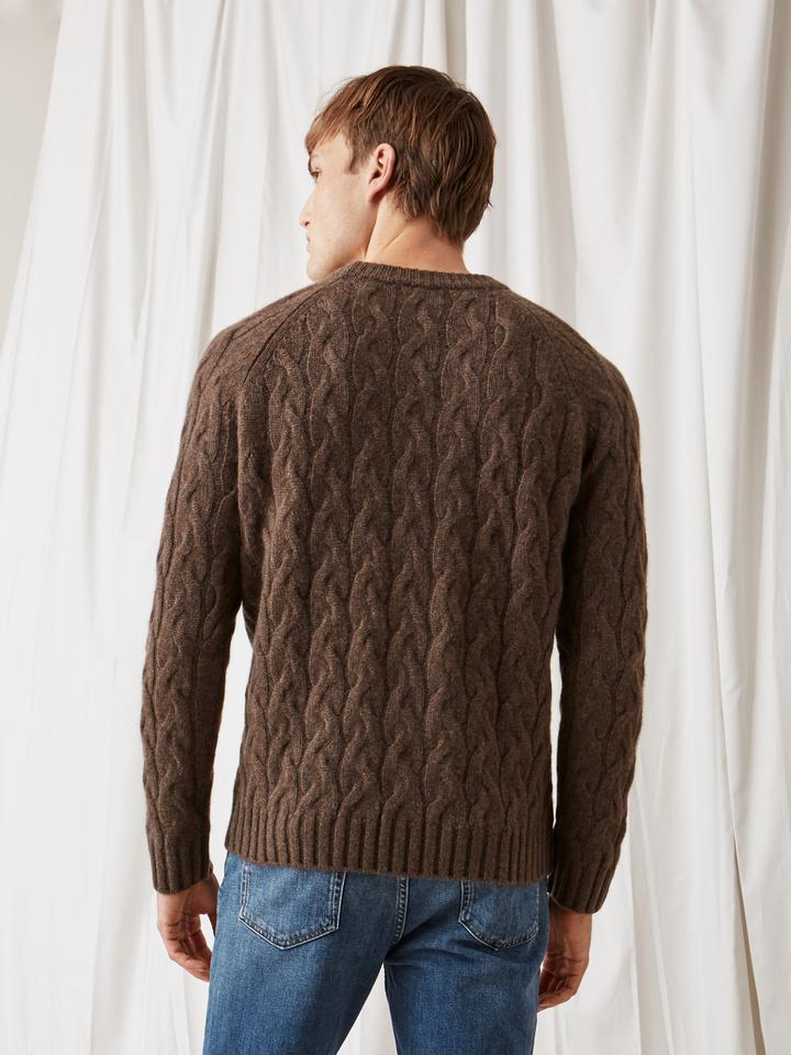 Soft Goat Men's Chunky Cable Knit Mocca