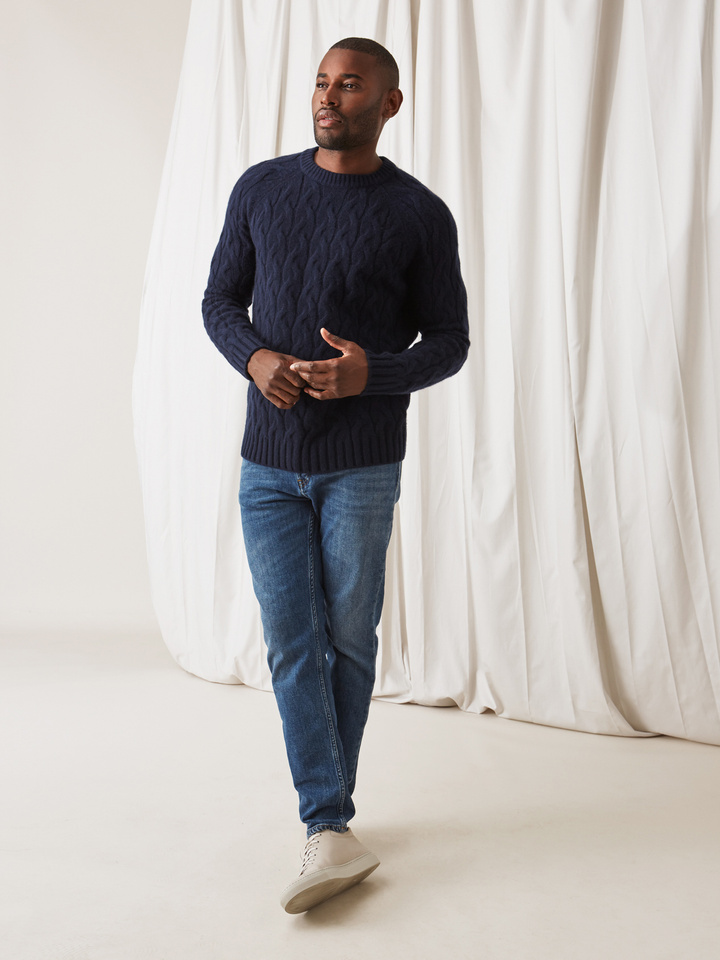 Soft Goat Men's Chunky Cable Knit Navy