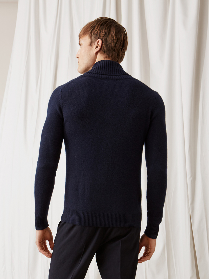 Soft Goat Men's Chunky Collar Navy