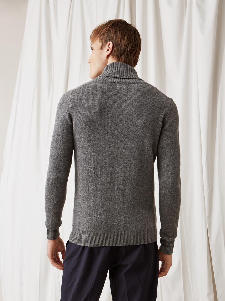 Soft Goat Men's Chunky Collar Dark Grey
