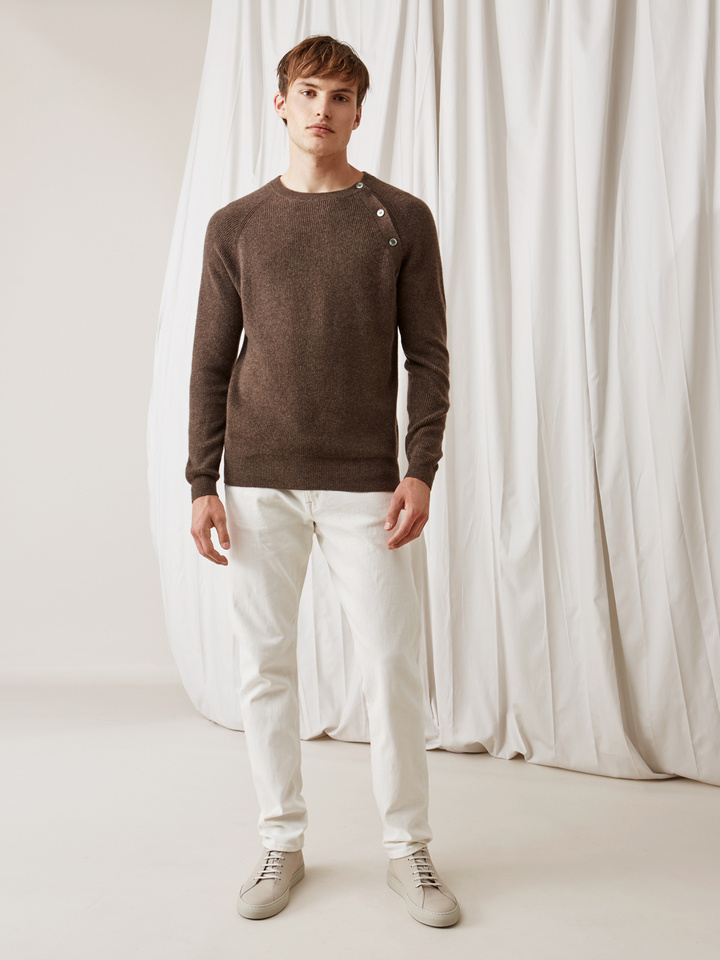 Soft Goat Men's Sweater With Buttons Mocca