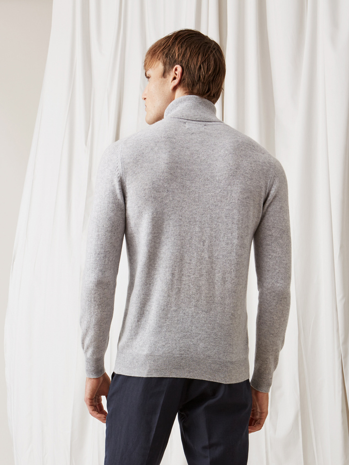 Soft Goat Men's Turtle Neck Light Grey