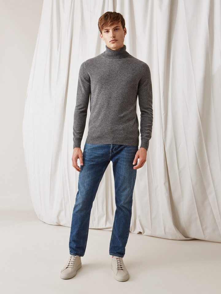 Soft Goat Men's Turtle Neck Dark Grey
