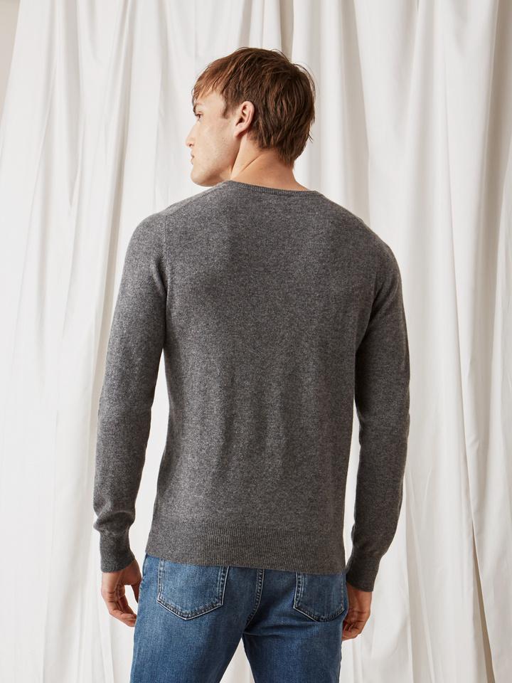 Soft Goat Men's V-Neck Dark Grey