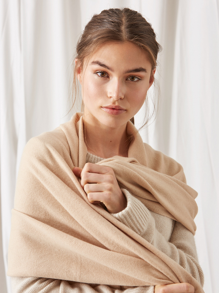 Soft Goat Plain Knitted Scarf Camel