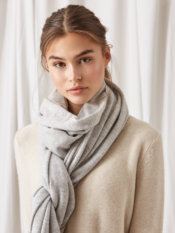 Soft Goat Plain Knitted Scarf Light Grey