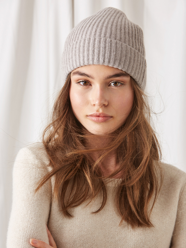 Soft Goat Ribbed Beanie Light Taupe