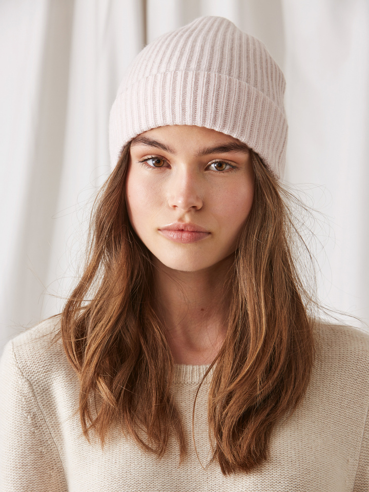Soft Goat Ribbed Beanie Powder Pink