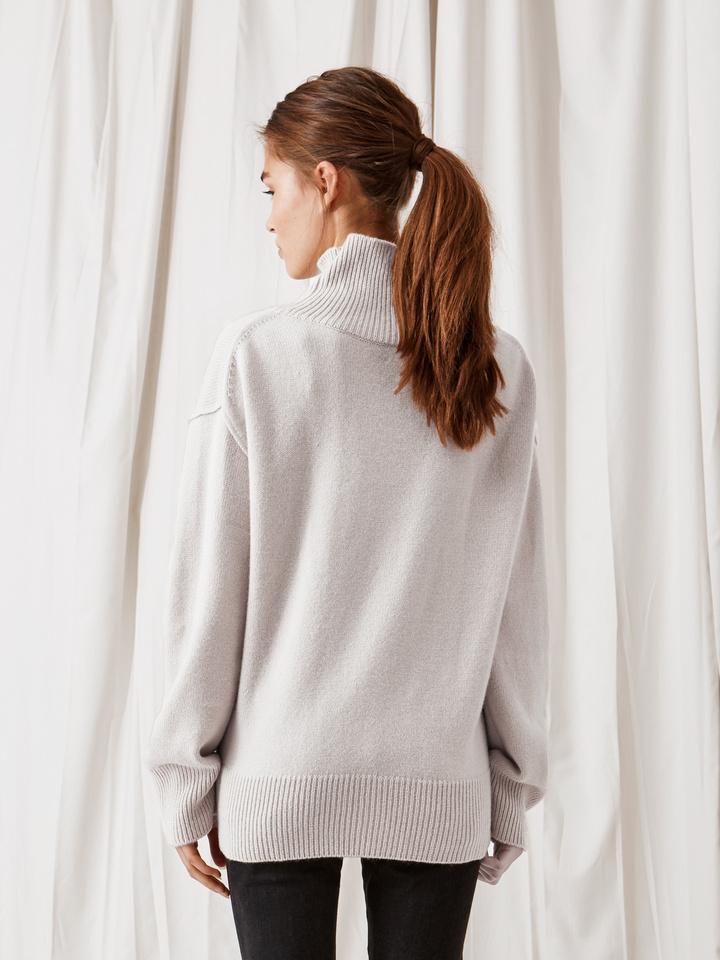 Soft Goat Boyfriend Turtle Neck Sweater Silver Grey