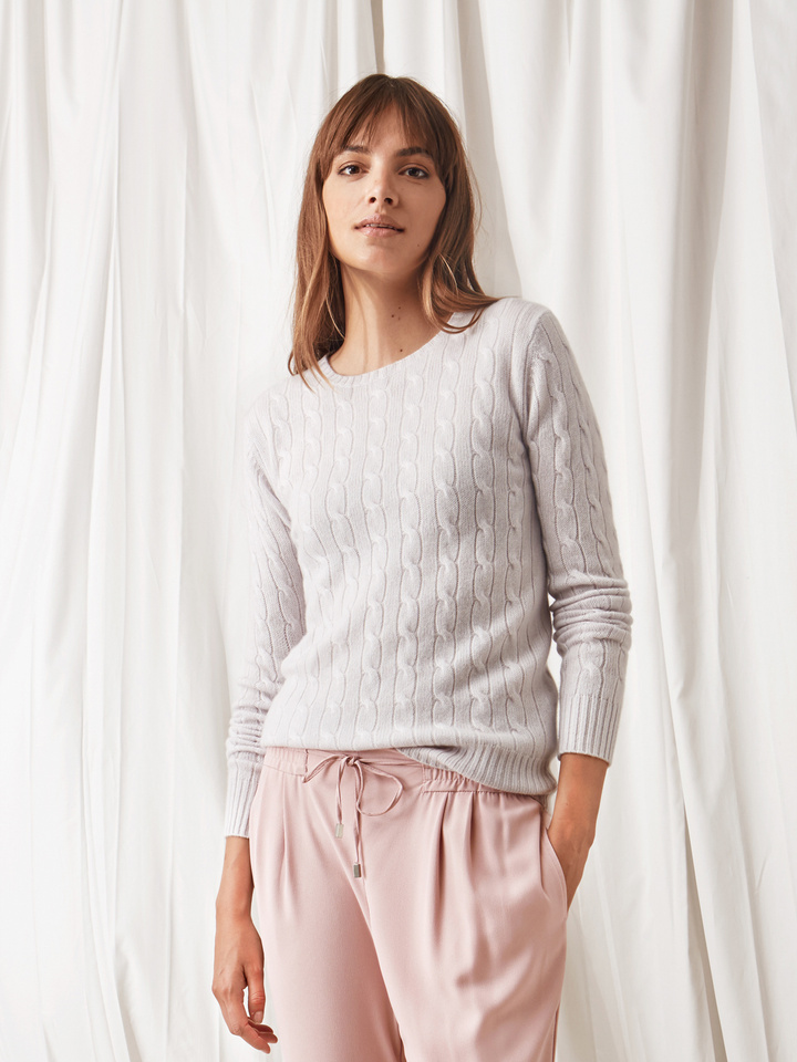 Soft Goat Cable Knit Silver Grey