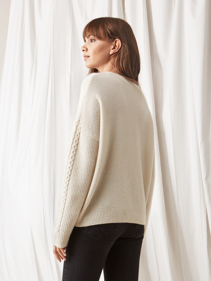 Soft Goat Women's Chunky Cable Knit Off White