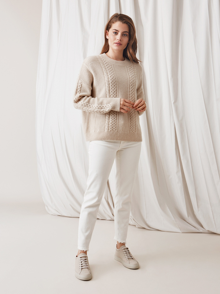 Soft Goat Women's Chunky Cable Knit Beige
